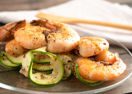 Grilled shrimp and zucchini salad plated and served Reklamní fotografie