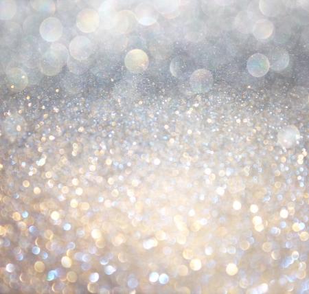боке: белый серебро и золото абстрактные огни боке расфокусированный фон Фото со стока