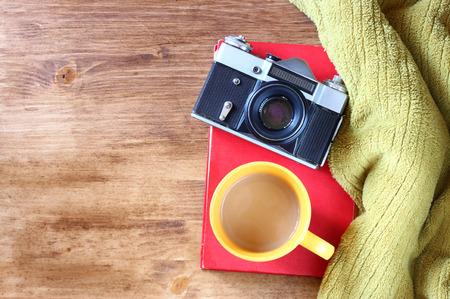 old books: Vintage-Kamera auf alte B�cher