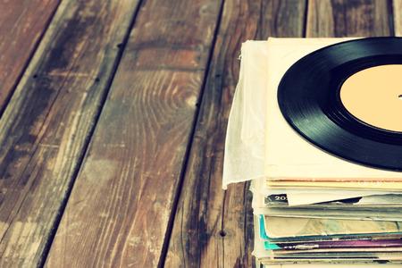 Close up de viejo récord y registros de pila Foto de archivo - 26950209