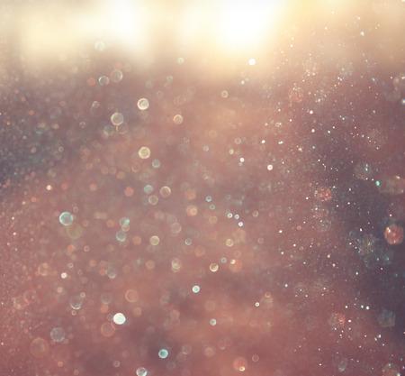 photo abstraite d'éclat de lumière et de l'image de paillettes de lumières bokeh est floue et filtré