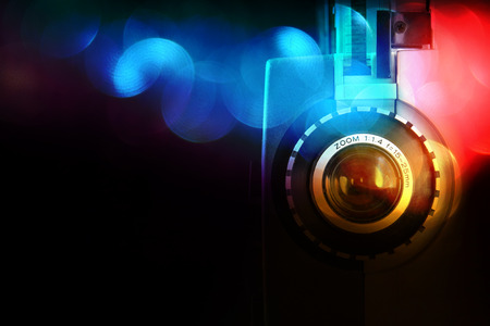 pelicula de cine: close up de la lente del proyector de película de 8 mm viejo Foto de archivo
