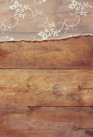 Draufsicht auf Vintage handgemachte schöne Spitzenstoff Standard-Bild - 44055999