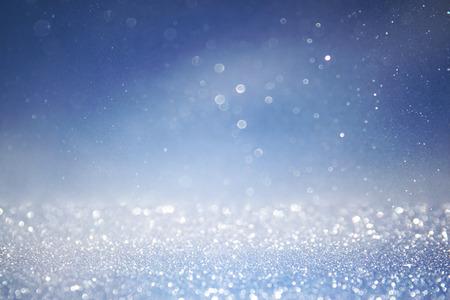 Bokeh Lichter Hintergrund mit Multischichten und Farben weiß silber, pink und blau Standard-Bild - 45586964