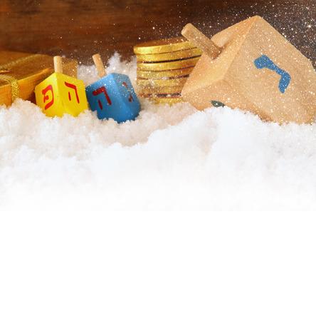 diciembre: imagen del judío Hanukkah vacaciones