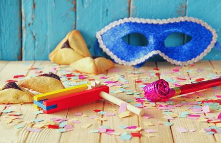 célébration de Pourim concept juif de vacances de carnaval. mise au point sélective