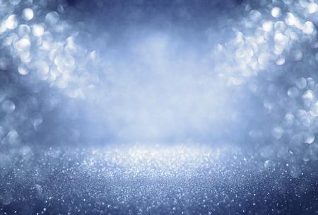 キラキラ ビンテージ ライト背景。銀、青と白。デフォーカス。 写真素材