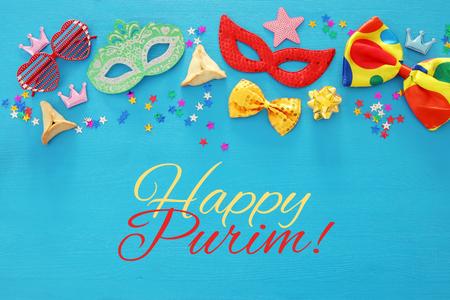 Purim Feier-Konzept (jüdisch Karneval Feiertag). Aufsicht Standard-Bild - 92528536
