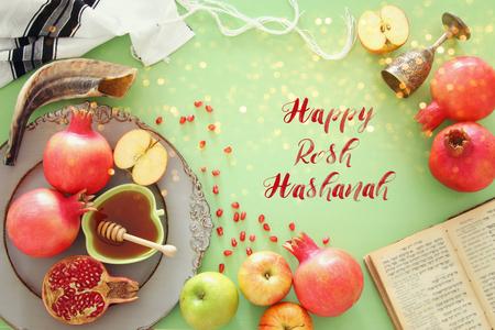 Koncepcja Rosz Haszana (żydowski Nowy Rok). Tradycyjne symbole