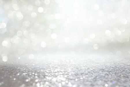 sfondo di luci glitter astratte. argento e oro. de-focalizzato