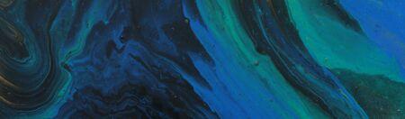 Fotografía de arte de fondo abstracto efecto mármol. colores creativos turquesa, verde, azul, negro y dorado. Hermosa pintura. bandera