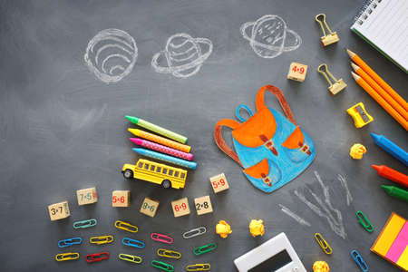 education. Back to school concept over blackboard background. top view, flat lay Archivio Fotografico - 150986842