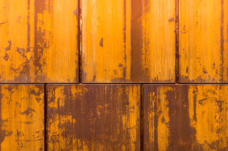 Rusty walling panel made of corten steel - weathering steel sheet Imagens - 100688482