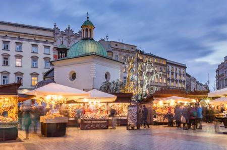 Cracovie, Pologne, place du marché et foires de Noël