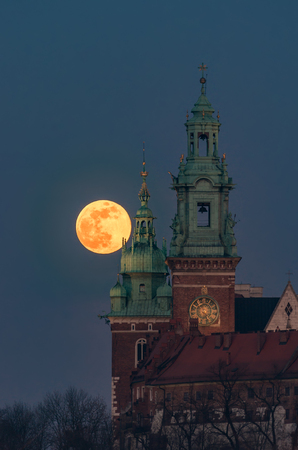 February Full Moon (Snow Moon, Supermoon) over Wawel castle and cathedral, Krakow, Poland 版權商用圖片
