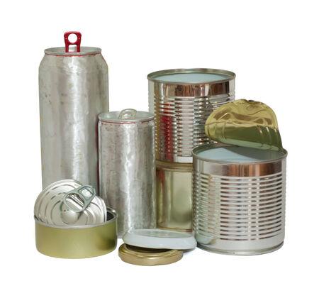 reciclable: Una variedad de metales reciclables objetos aislados en blanco. Foto de archivo