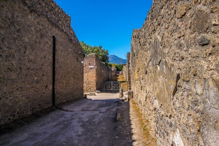 archaeological sites: Pompeii, an ancient Roman town destroyed by volcano Vesuvius. italy