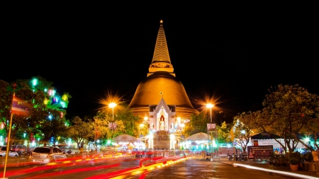 NAKHON PATHOM-APRIL 14: Night view of Phra Pathom Chedi pagoda,the tallest pagoda in the world with 127 metres