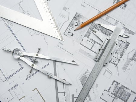 Werkzeuge und Papiere für die Planung einer Architektur-Projekt Standard-Bild