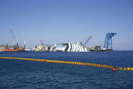 dismantlement operations of the wreck of the costa concordia