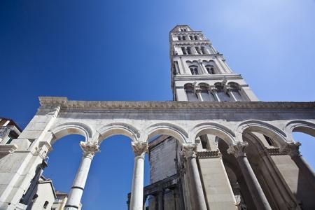 ディオクレティアヌス宮殿遺跡と大聖堂の鐘楼、スプリット、クロアチア