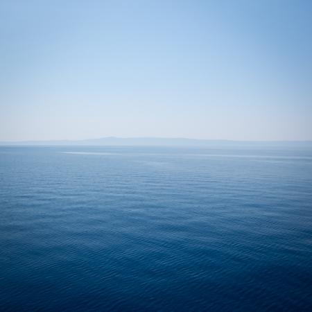 klaren, blauen Meer, Wasser seascape abstrakten Hintergrund Standard-Bild