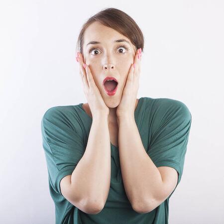 cara sorpresa: joven y bella mujer sorpresa expresi�n de la cara