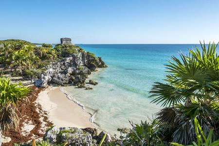 Ruinas mayas de Tulum en el mar en México Yucatán Foto de archivo