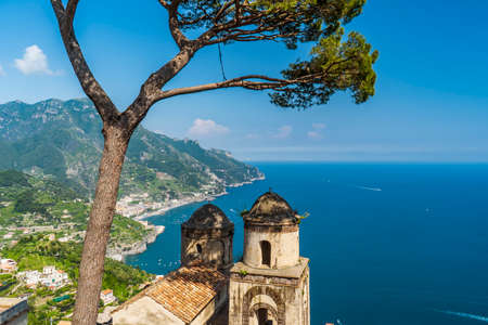 The beautiful gardens of Villa Rufolo in Ravello, Amalfi Coast in Italy Stock fotó