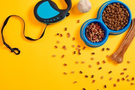 Pet accessories, food, toy. Top view Banco de Imagens