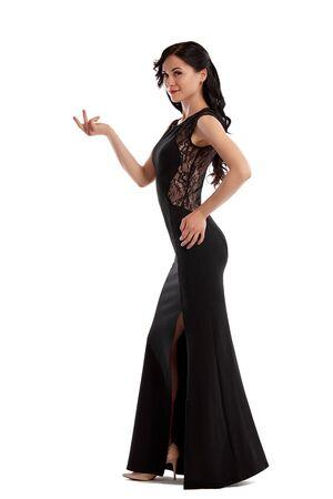 Volledig lengteportret van een mannequinmeisje dat op witte achtergrond wordt geïsoleerd. Stockfoto