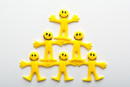 Travail d'équipe, des gens qui travaillent ensemble pour réussir