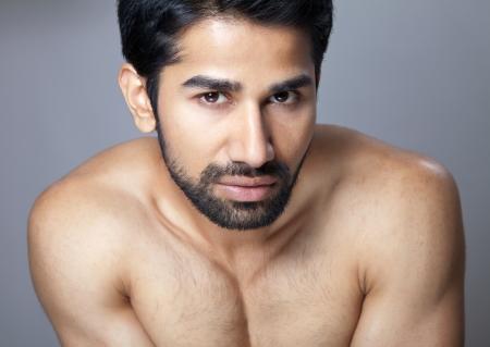 uomini belli: Bellezza ritratto di un giovane uomo muscoloso