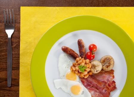 huevos de codorniz: Desayuno completo Ingl�s con huevos de codorniz