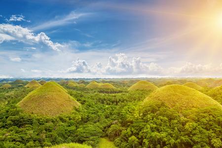 Hermosos paisajes de colinas del chocolate en Bohol, Filipinas Foto de archivo - 40498398