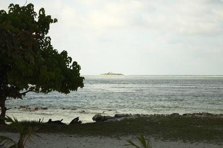 Desert island in Maldives (Bodukaashihuraa, Ari Atoll)