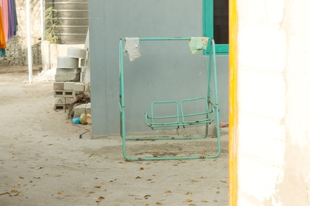 Abandoned swing in a maldivian house (Ari Atoll, Maldives) Imagens