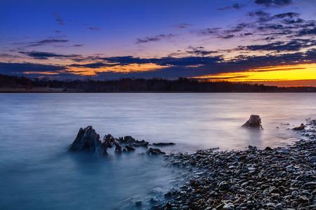 ロングビュー湖日の出が美しい。 ロングビュー湖はカンザスシティ、ミズーリ州のすぐ外に。 写真素材