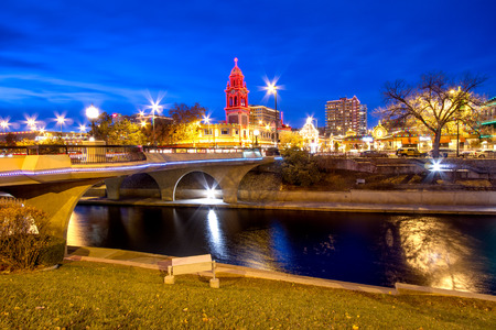 street shots: Kansas City Country Club Plaza area during Christmas