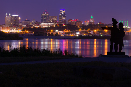 Kansas City, Missouri skyline taken from Kaw Point Park where Lewis and Clark Expedition arrived on June 26, 1804.  All Copyright and trademarks removed. Zdjęcie Seryjne