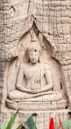 budha: Buddha and disciples carved wood