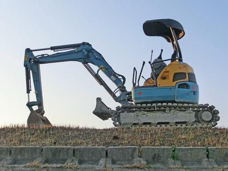 power shovel: small power shovel