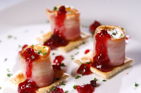 Grilled banana with ham and redcurrant marmalade
