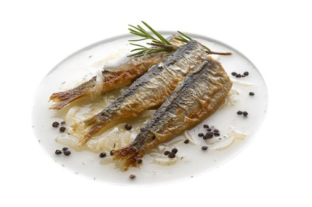 Baked sardines in onion sauce