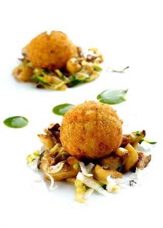 Fried chamipgnons with cheese and vegetable sauce