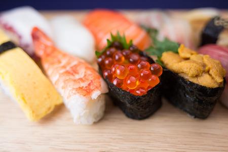 Sushi japonés  Foto de archivo - 42034382