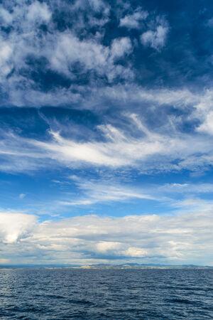 paysage marin: Nuageux paysage en Adriatique pendant la journ�e d'�t� Banque d'images
