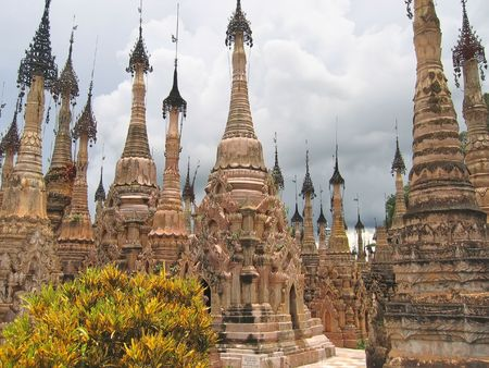 Stupas forest of the Paya Kyaukhpyugyi - Kakku - Myanmar. Stock Photo - 823638