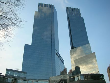 manhattans: Two high business tower facing each other - New York.