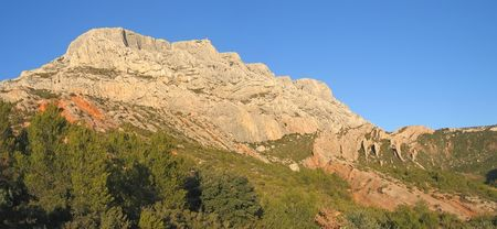 en: Mount Sainte Victoire inspired by Claude Monnet for his paintings - Aix en Provence - Marseille - France - Panorama.